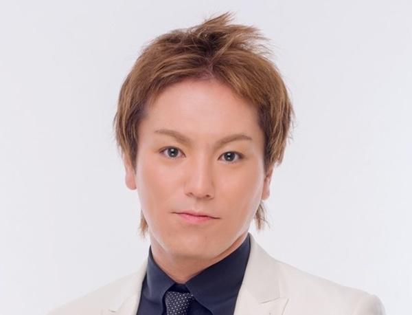 イメージチェンジされた狩野英孝さんの眉毛を紹介しています