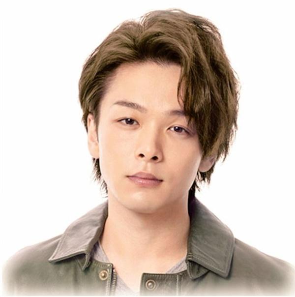 俳優の中村倫也さんの自然で優しい眉毛を紹介しています